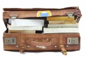 1018734_stock-photo-suitcase-with-books